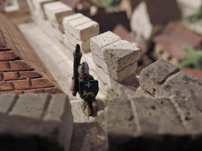 Soldat sur le chemin de ronde
